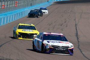 Denny Hamlin, Joe Gibbs Racing, Toyota Camry FedEx Freight, Quin Houff, StarCom Racing, Chevrolet Camaro Mount-N-Lock/Ashurst Honey
