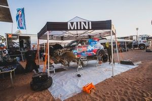 Автомобиль Mini JCW Rally (№303) Якуба Пшигоньского и Тимо Готтшалька, Orlen X-raid Team