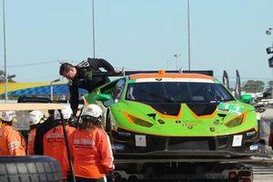 Bergung des Unfallautos: #11 GRT Grasser Racing Team Lamborghini Huracan GT3: Richard Heistand, Steijn Schothorst, Albert Costa