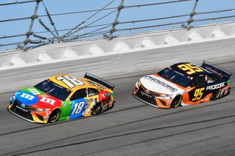 Kyle Busch, Joe Gibbs Racing, Toyota Camry M&M's, Christopher Bell, Leavine Family Racing, Toyota Camry Procore