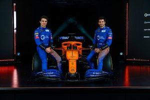 Lando Norris, McLaren, Carlos Sainz Jr., McLaren, McLaren MCL35