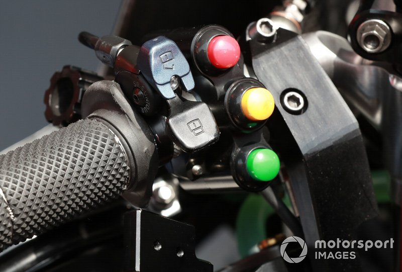 Le guidon de la Ducati