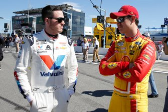 Alex Bowman, Hendrick Motorsports, Chevrolet Camaro Valvoline and Joey Logano, Team Penske, Ford Mustang Shell Pennzoil