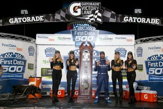 Race winner Martin Truex Jr., Joe Gibbs Racing, Toyota Camry Auto Owners Insurance