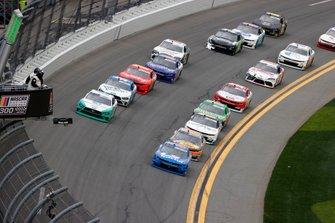 Austin Cindric, Team Penske, Ford Mustang MoneyLion, Jeb Burton, JR Motorsports, Chevrolet Camaro LS Tractor