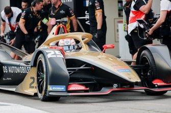 Jean-Eric Vergne, DS Techeetah, DS E-Tense FE20, makes a pit stop