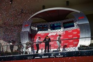 Lewis Hamilton, Mercedes AMG F1, 2nd position, James Allison, Technical Director, Mercedes AMG, Max Verstappen, Red Bull Racing, 3rd position, and Valtteri Bottas, Mercedes AMG F1, 1st position, celebrate on the podium