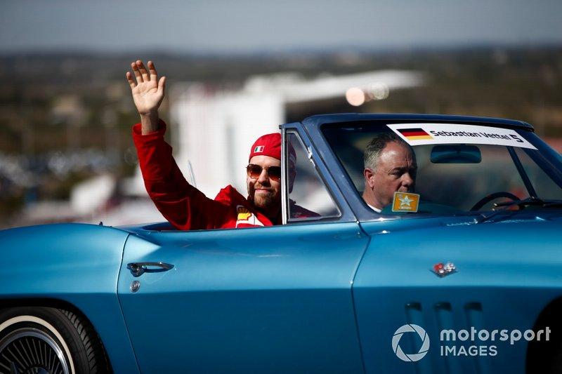 Sebastian Vettel, Ferrari, durante la drivers parade