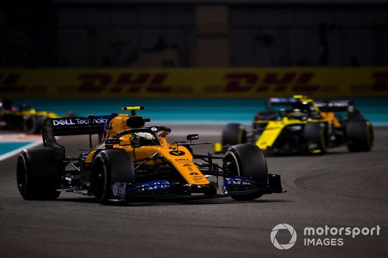 Lando Norris, McLaren MCL34, Nico Hulkenberg, Renault F1 Team R.S. 19