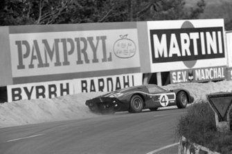 Lloyd Ruby, Denny Hulme, Holman Moody Racing