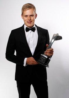 Ott Tanak recibe el Premio a Piloto de Rallies del Año