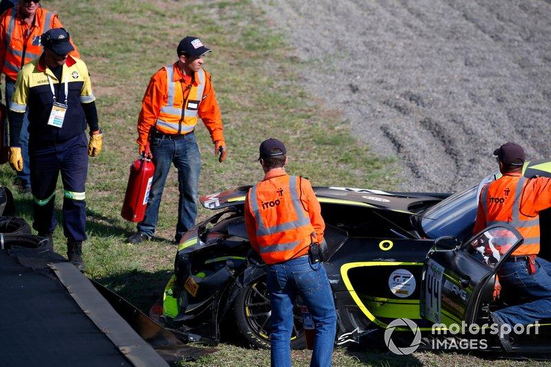 #44 Mercedes-AMG Team Strakka Racing Mercedes-AMG GT3: Gary Paffett, Tristan Vautier, Lewis Williamson in the gravel
