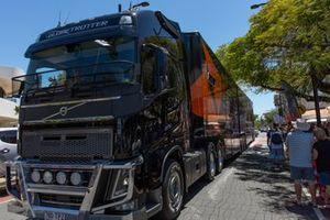 Transporter parade