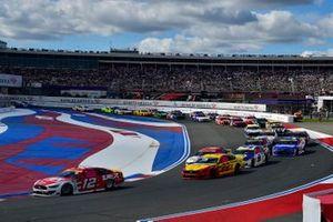 Ryan Blaney, Team Penske, Ford Mustang DEX Imaging and Joey Logano, Team Penske, Ford Mustang Shell Pennzoil