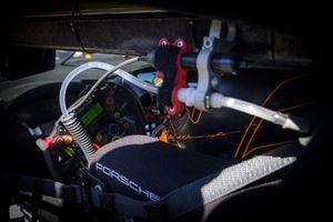 #86 GR Racing Porsche 911 RSR - 19