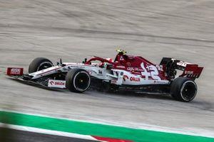Antonio Giovinazzi, Alfa Romeo Racing C39, off the track
