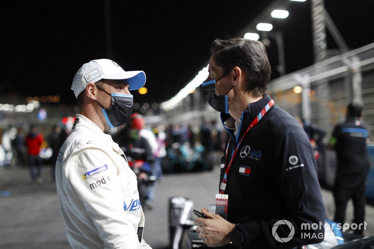 Stoffel Vandoorne, Mercedes-Benz EQ , Ian James, Team Principal, Mercedes-Benz EQ
