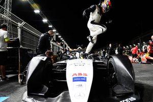 Edoardo Mortara, Venturi Racing, Silver Arrow 02, arrives on the grid