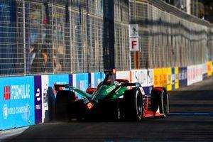 Rene Rast, Audi Sport ABT Schaeffler, Audi e-tron FE07, clips the wall