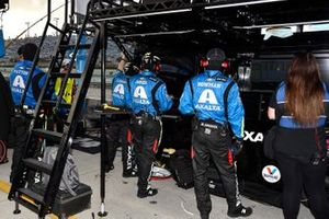 William Byron, Hendrick Motorsports, Chevrolet Camaro Axalta, crew members