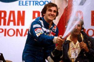 Race winner Alain Prost, Renault