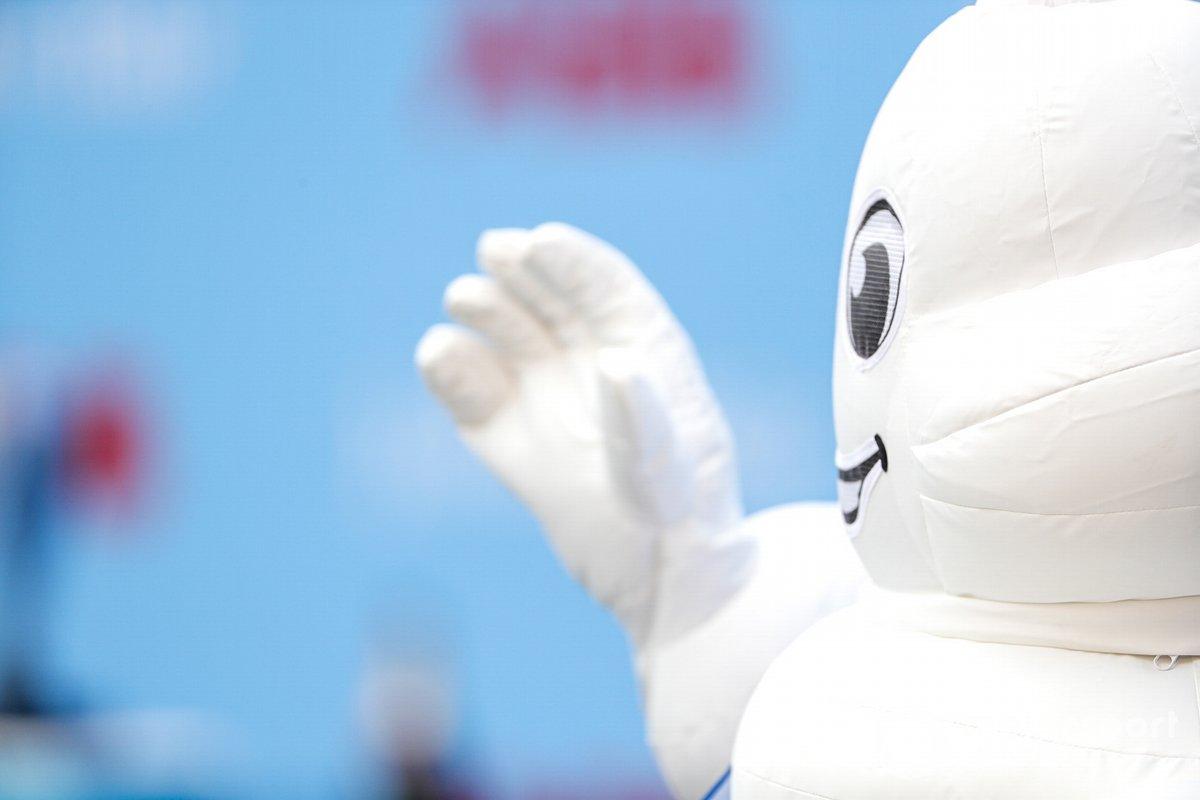 El Bibendum de Michelin en el podio