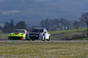 #147 Elite Motorsport: Simone Patrinicola, Pierluigi Alessandri, Gianvito Rossi, Volkswagen Golf GTI TCR DSG