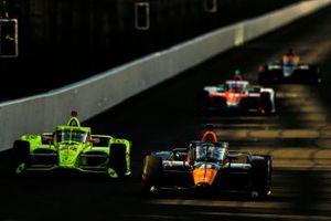 Patricio O'Ward, Arrow McLaren SP Chevrolet, Simon Pagenaud, Team Penske Chevrolet