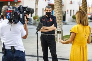 Guenther Steiner, Team Principal, Haas F1, talks to the press