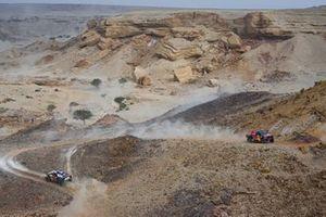 #307 Overdrive Toyota: Jakub Przygonski, Timo Gottschalk, #300 X-Raid Mini JCW Team: Carlos Sainz, Lucas Cruz