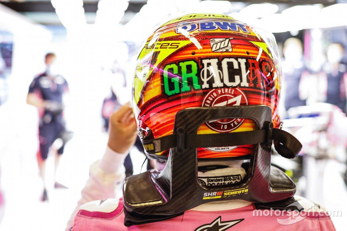Sergio Pérez, Racing Point, utilizando un casco de edición especial