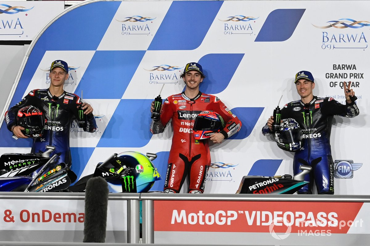 Top 3, Ganador de la pole Francesco Bagnaia, Ducati Team, Fabio Quartararo, Yamaha Factory Racing, Maverick Viñales, Yamaha Factory Racing parc ferme