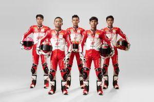 Para Pembalap Astra Honda Racing Team: Irfan Ardiansyah, Rheza Danica, M Adenanta Putra, Lucky Hendriansya, Herjun Atna Firdaus