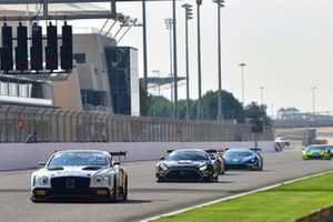 #31 Team Parker Racing, Bentley Continental GT3: Derek Pierce, Euan McKay, Andrew Meyrick, #3 Ram Racing, Mercedes-AMG GT3: John Loggie, Chris Froggatt, Callum MacLeod