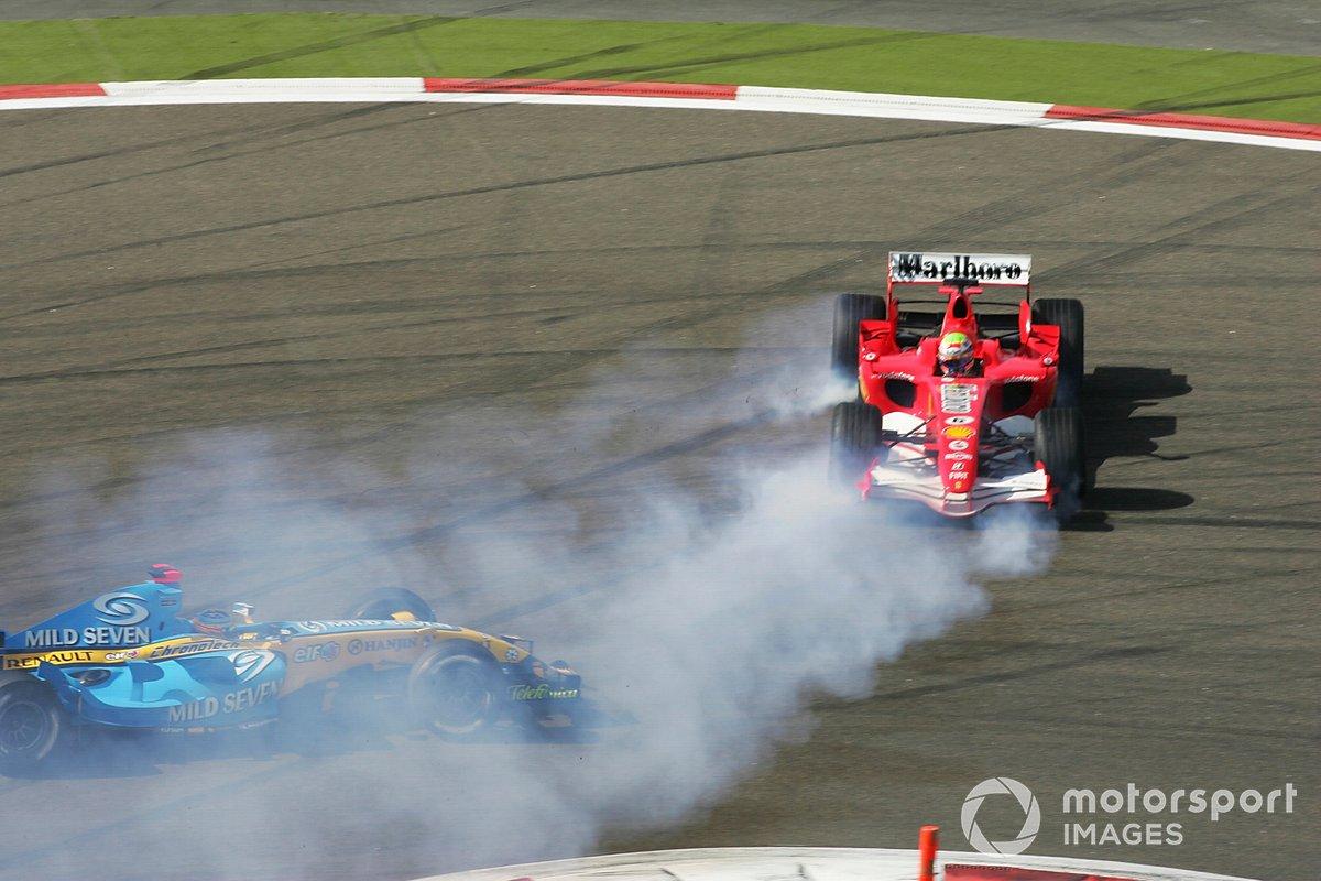 Felipe Massa, Ferrari F248 trompea tras casi accidentarse con Fernando Alonso, Renault R26