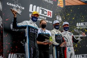 Podium: Race winner Santiago Urrutia, Cyan Performance Lynk & Co 03 TCR, second place Yann Ehrlacher, Cyan Racing Lynk & Co 03 TCR, third place Jean-Karl Vernay, Mulsanne Alfa Romeo Giulietta TCR