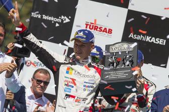 Podium : le vainqueur Ott Tänak, Toyota Gazoo Racing WRT Toyota Yaris WRC