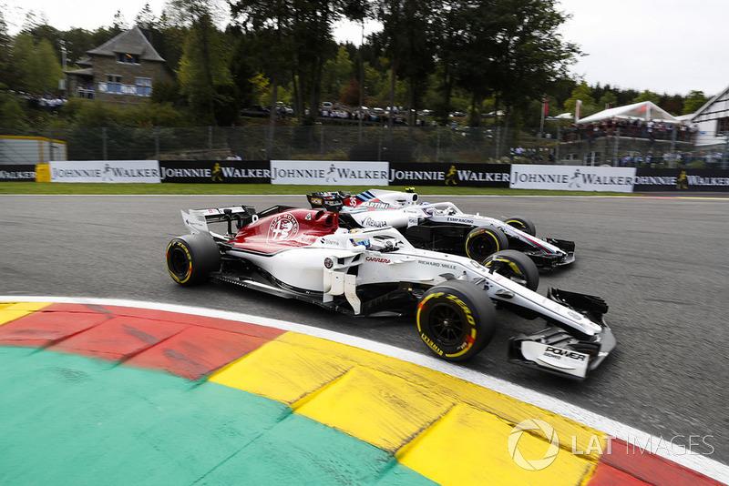 Marcus Ericsson, Sauber C37, y Sergey Sirotkin, Williams FW41