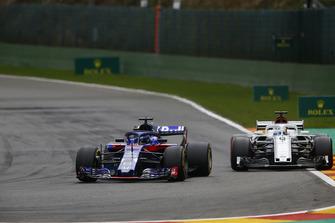 Brendon Hartley, Toro Rosso STR13, et Marcus Ericsson, Sauber C37