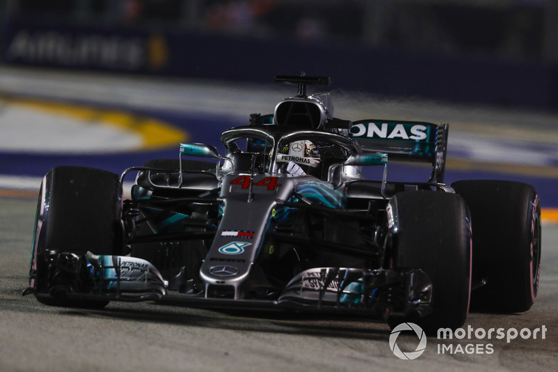 1: Lewis Hamilton, Mercedes AMG F1 W09 EQ Power+, 1'36.015