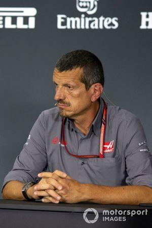 Guenther Steiner, Team Principal, Haas F1, nella conferenza stampa