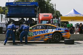 #96 Turner Motorsport BMW M6 GT3, GTD - Robby Foley, Bill Auberlen, Pit Stop