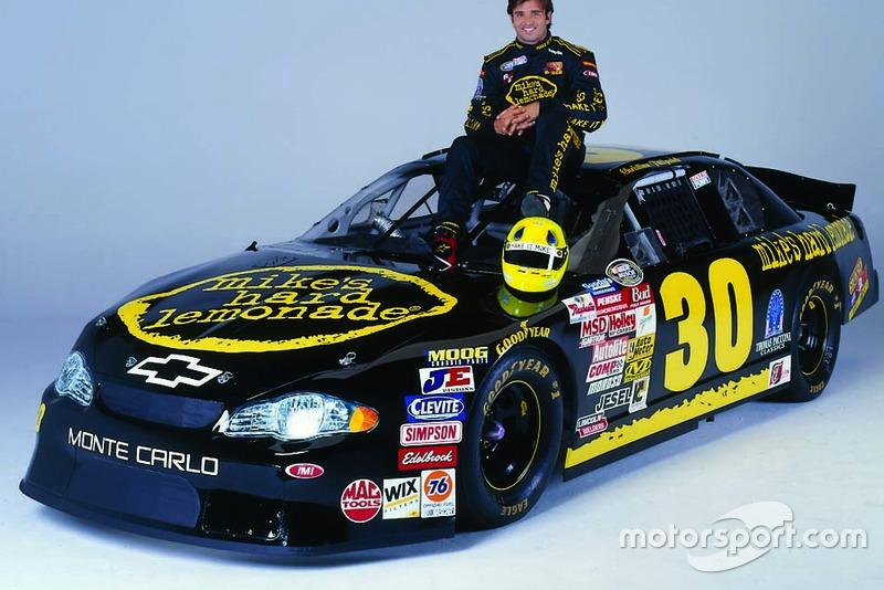 Em 2002, o piloto disputou sua primeira corrida na principal divisão da NASCAR, depois de correr na Busch Series