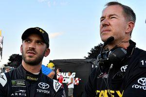 Daniel Suarez, Joe Gibbs Racing, Toyota Camry, mit Scott Graves