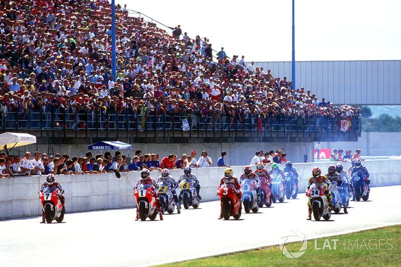 Start zum GP Italien 1993 in Misano: Luca Cadalora, Yamaha, führt