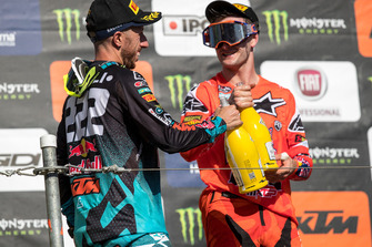 Tony Cairoli, Red Bull KTM Factory Racing, feliciteert Jeffrey Herlings, Red Bull KTM Factory Racing
