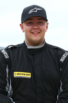 Ollie Pidgley, Team HARD VW Passat