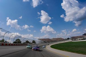 Denny Hamlin, Joe Gibbs Racing, Toyota Camry FedEx Office, Kyle Busch, Joe Gibbs Racing, Toyota Camry Interstate Batteries