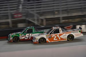 Christopher Bell, Kyle Busch Motorsports, Toyota Tundra Hunt Brothers Pizza, Johnny Sauter, GMS Racing, Chevrolet Silverado GMS Fabrication