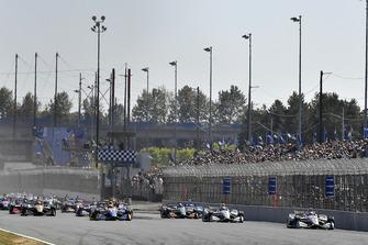 Josef Newgarden, Team Penske Chevrolet, Will Power, Team Penske Chevrolet, Alexander Rossi, Andretti Autosport Honda